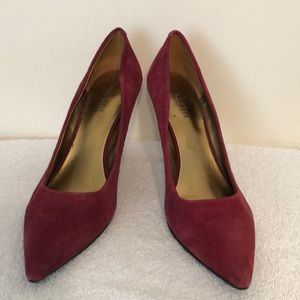 Nine west size 8 1/2 cranberry colored suede heels
